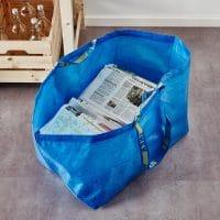 Impermeabile e k-way realizzati con il riciclo creativo delle borse Ikea