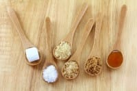 Dolcificanti, tutte le alternative per sostituire i dannosi prodotti artificiali