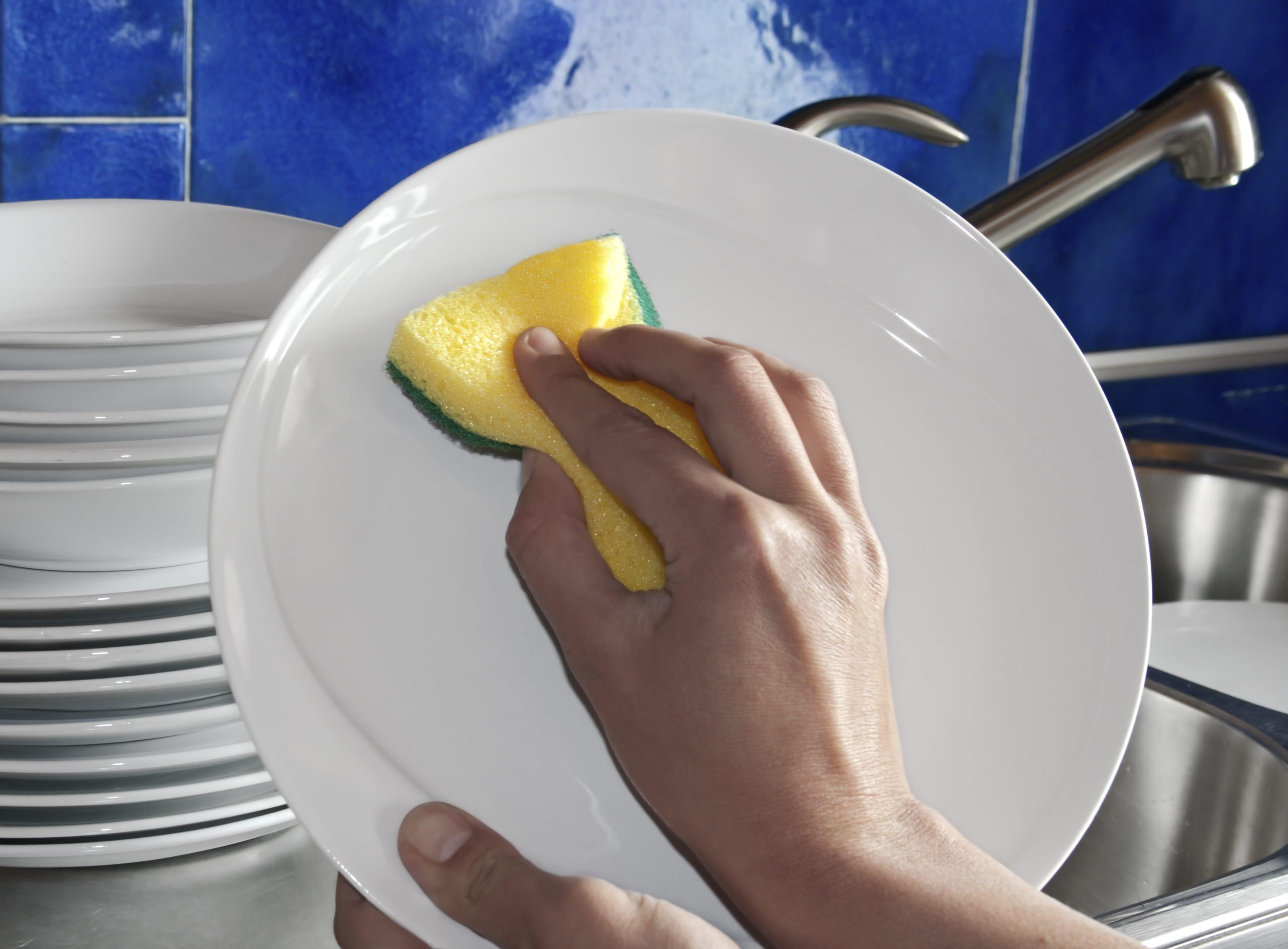 Detersivo per piatti fatto in casa non sprecare - Piatti per la casa ...