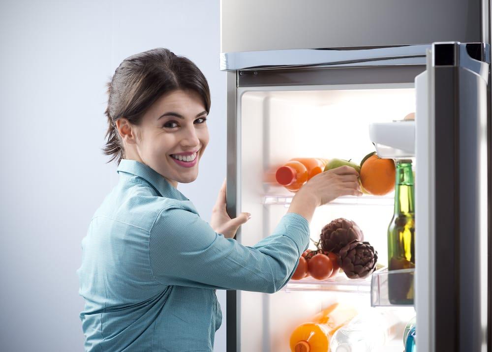 Frigorifero, come usarlo per non sprecare cibo. E risparmiare corrente elettrica