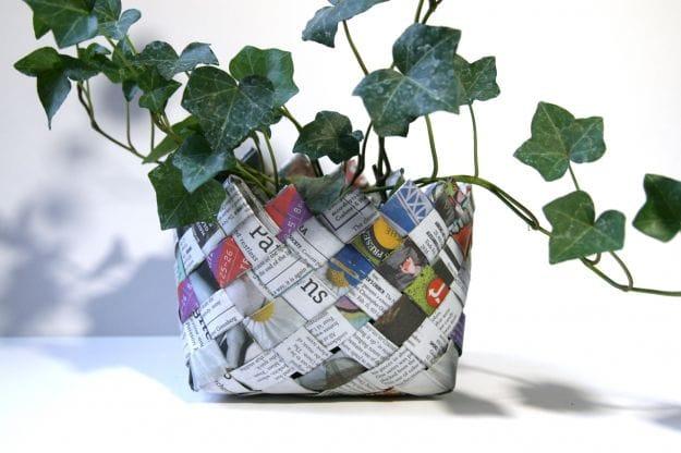 Come fare un cestino con la carta di giornale