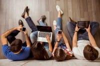Troppa tecnologia fa male ai ragazzi: quando lo capiremo? Intanto abbiamo gli studenti più smanettoni del mondo