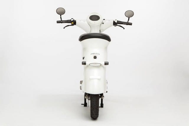 il-motorino-elettrico-leggero-e-pieghevole-da-portare-in-ufficio (6)