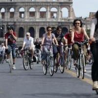 Ciclisti, a Roma è boom: in 170mila vanno in bici