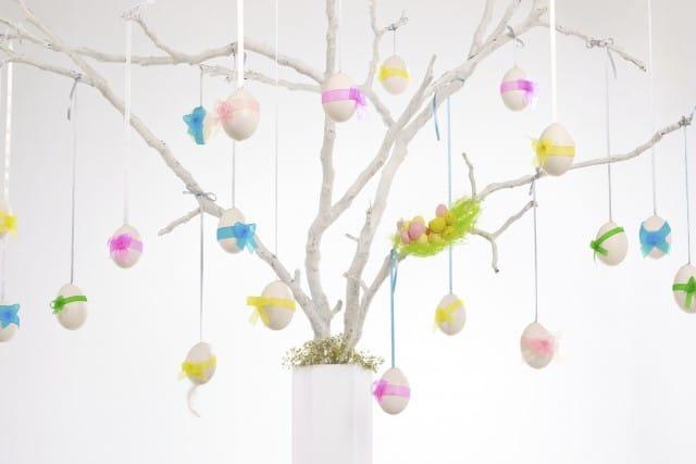 Riciclo creativo: come fare l'albero di Pasqua con le uova dipinte