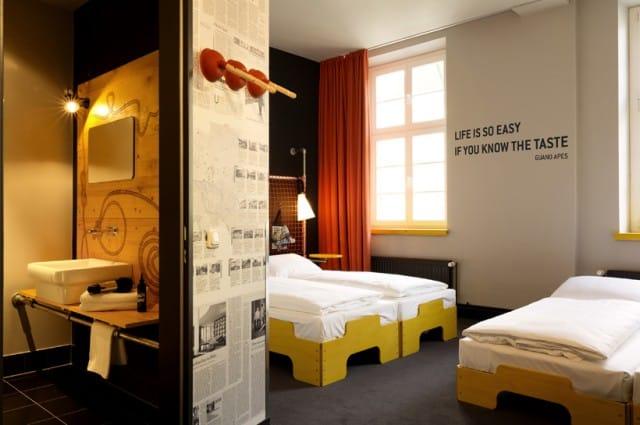 ostello superbude non sprecare. Black Bedroom Furniture Sets. Home Design Ideas