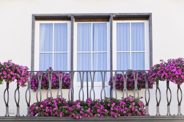 Per risparmiare sui costi del riscaldamento eliminate gli spifferi dalle finestre