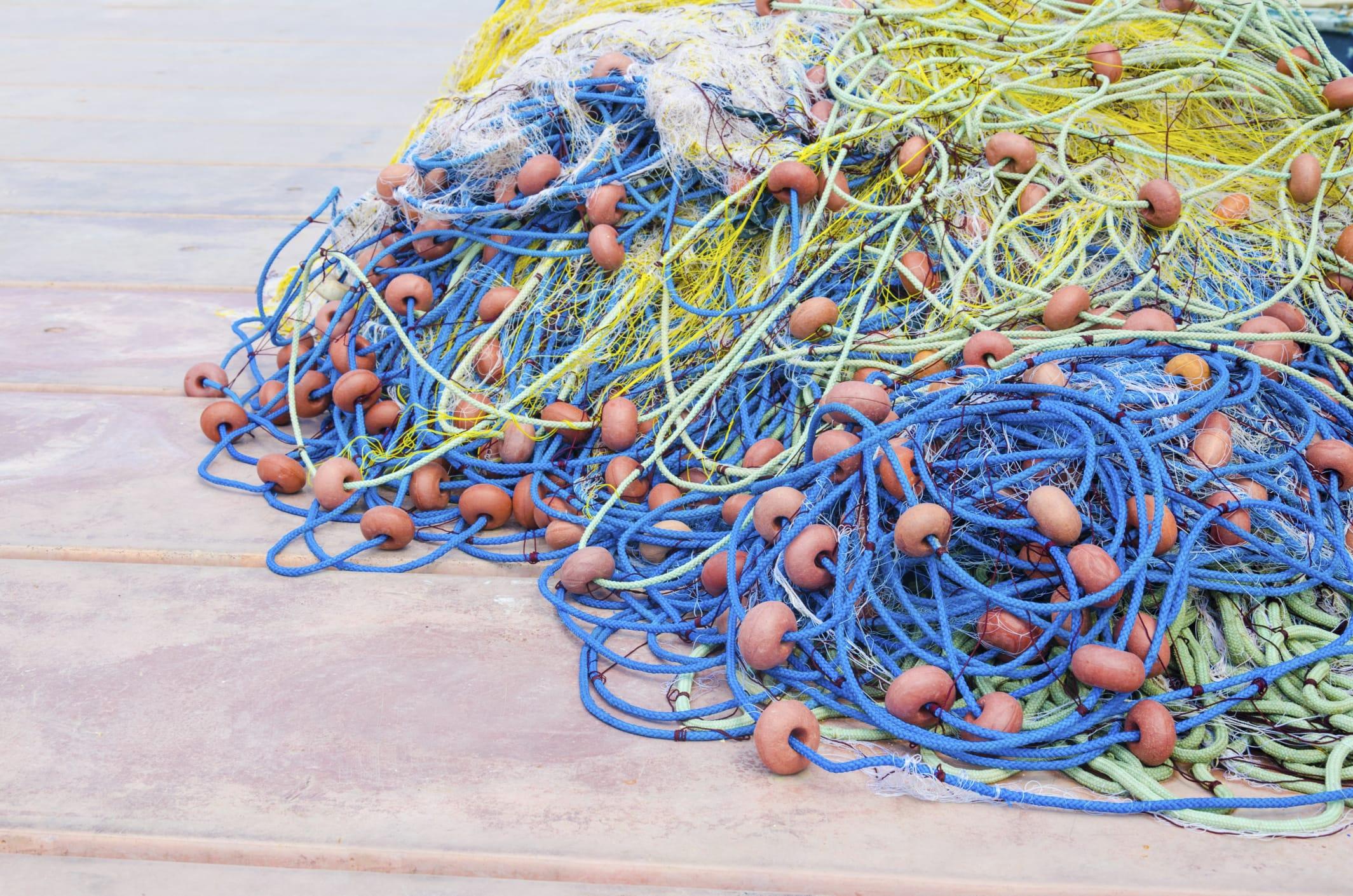 Riciclo reti da pesca non sprecare - Rete da pesca per decorazioni ...