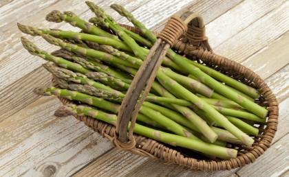Tutte le proprietà nutritive degli asparagi e una gustosa ricetta
