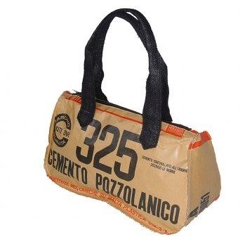 Riciclo creativo sacchi cemento: possono trasformarsi in borse