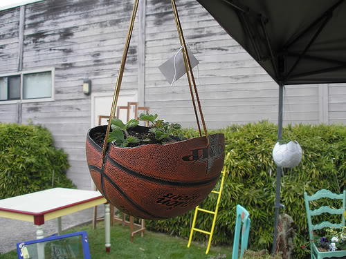 Come decorare il giardino fai da te riciclo e low cost - Fai da te arredo giardino ...