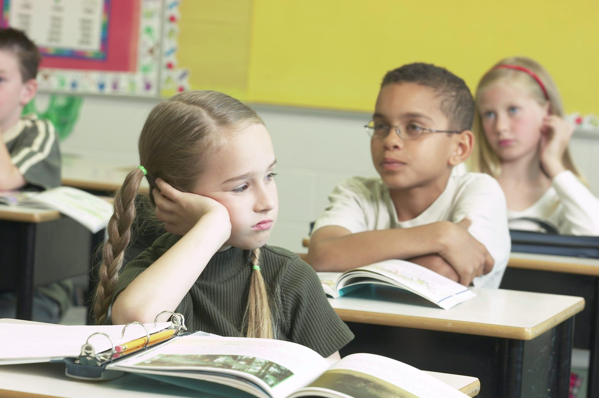 Molto Bambini a scuola a 5 anni e mezzo CW75