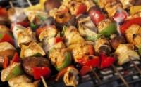 Come fare una grigliata di carne: i consigli per un barbecue gustoso e salutare