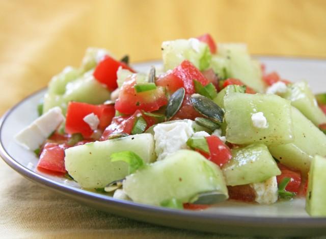 Ricette con il pomodoro: insalate, piatti unici e il dado vegetale con le bucce
