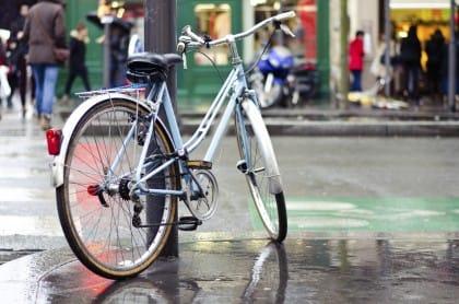 Furti di biciclette, i consigli per evitarli. In Italia ne rubano una ogni due minuti