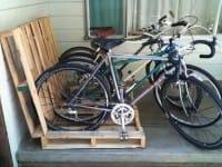 Come si riciclano i bancali: un'idea per le biciclette