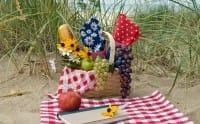 Cosa mangiare in spiaggia: tante idee e ricette per il pranzo sotto l'ombrellone