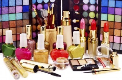 Cosmetici scaduti: possono provocare infezioni