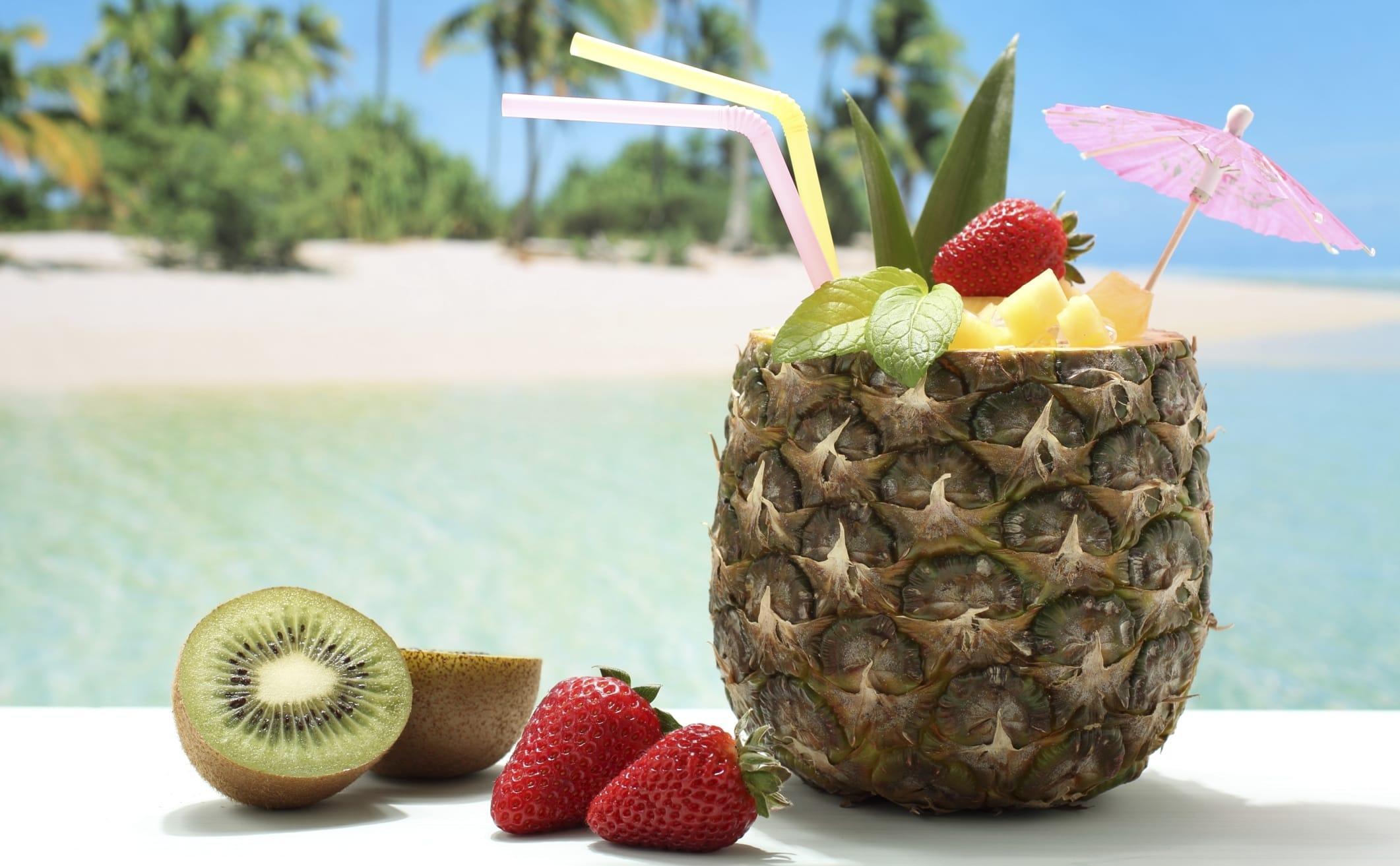 Vacanze in posti esotici: tutti i consigli su cosa mangiare e cosa no