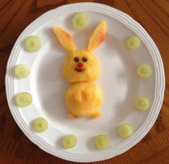Tante idee creative per far mangiare la frutta ai bambini