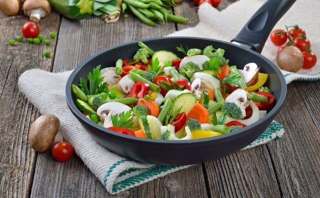 Metodi di cottura: come preparare gli alimenti per non perderne le proprietà nutritive