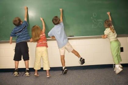 Aria pulita in classe: aprire le finestre riduce le assenze per malattia degli studenti