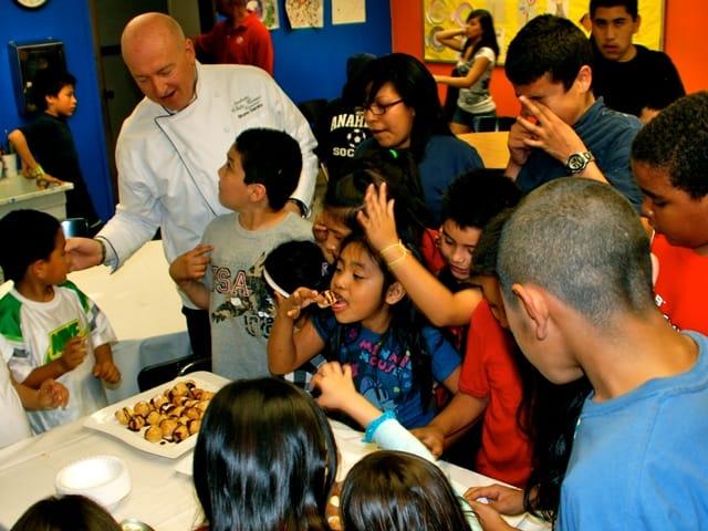 Bruno Serato, lo chef benefattore che aiuta i bambini