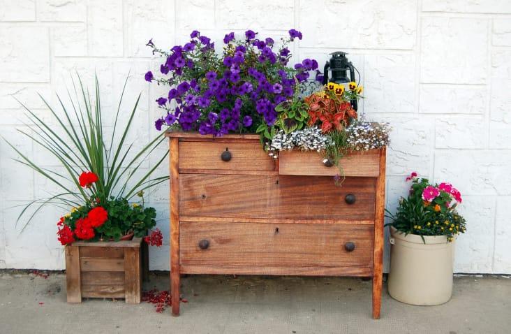 come trasformare cassettiera in fioriera