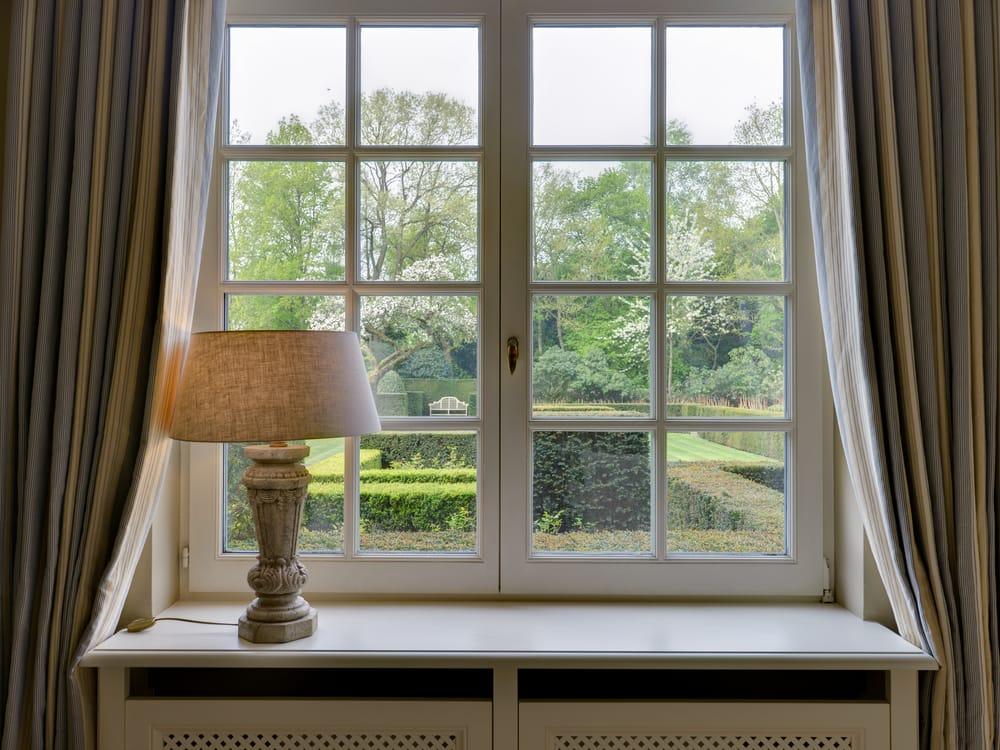 Come risparmiare energia con le finestre isolanti non - Vetri colorati per finestre ...