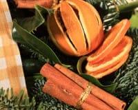 Arance essicate e decorate
