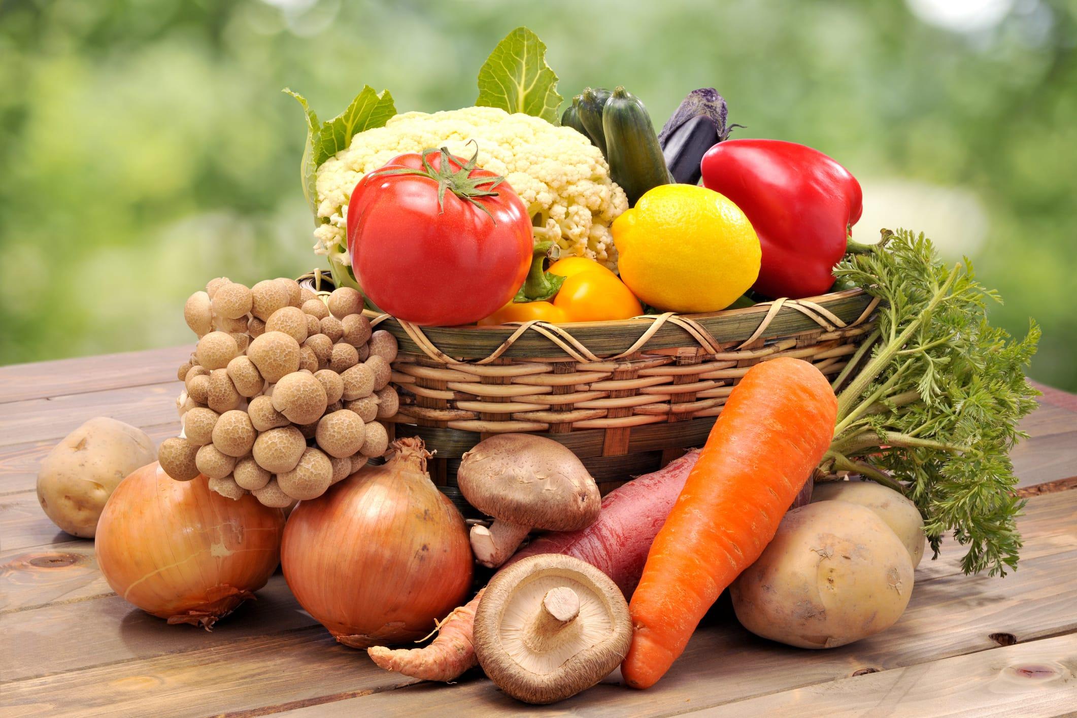 Propriet frutta e verdura in base al colore non sprecare - Contorno di immagini di frutta ...