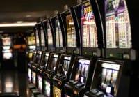 No slot, fermiamo lo spreco del gioco d'azzardo. E non lasciamo soli i sindaci