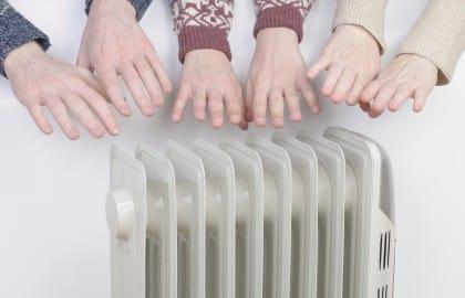 Come risparmiare sul riscaldamento: 10 semplici regole per avere calore e sicurezza. Ed eliminare gli sprechi