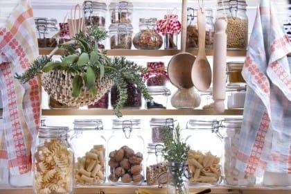 I rimedi naturali per tenere lontane le farfalline del cibo dalla dispensa