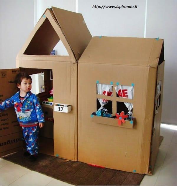 Come fare una casetta di cartone per bambini non sprecare for Grande casetta per bambini
