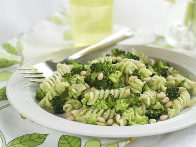 Pasta cavolfiore e noci: la ricetta per non sprecare le foglie