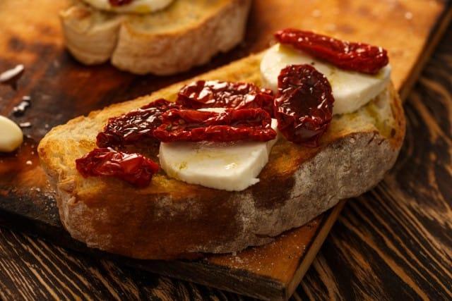 Pomodori secchi, tutte le migliori ricette. Dal paté per le bruschette alla pasta fredda