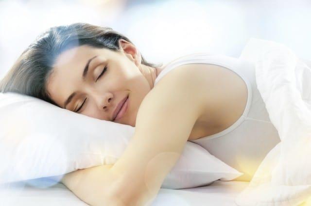 """Benefici del sonno: il nostro cervello """"fa le pulizie"""" mentre dorme"""