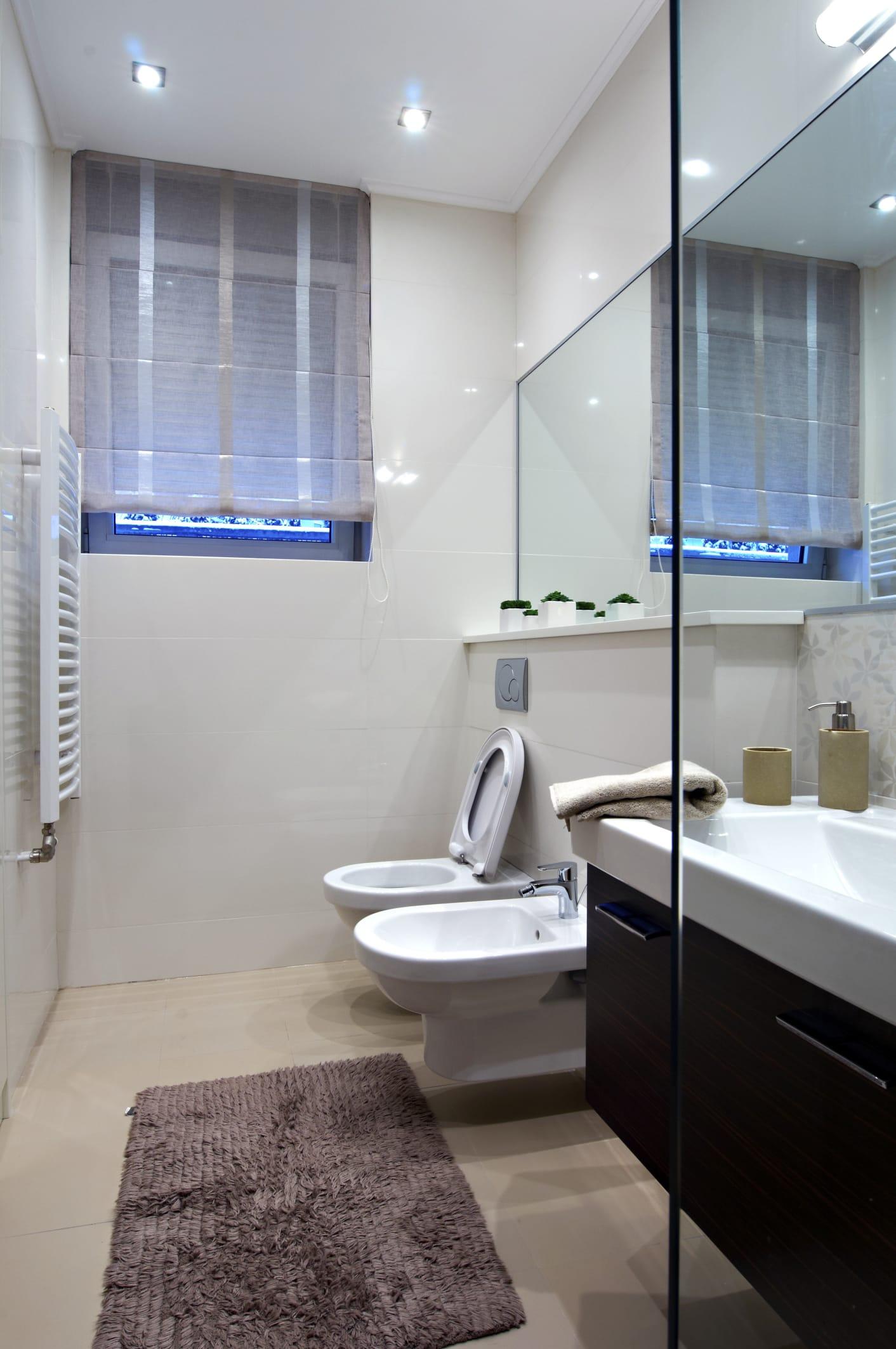 Illuminazione bagno piccolo design casa creativa e mobili ispiratori - Ristrutturare bagno piccolo ...