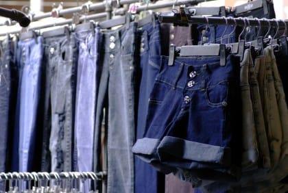 Jeans ecosostenibili e non spreconi