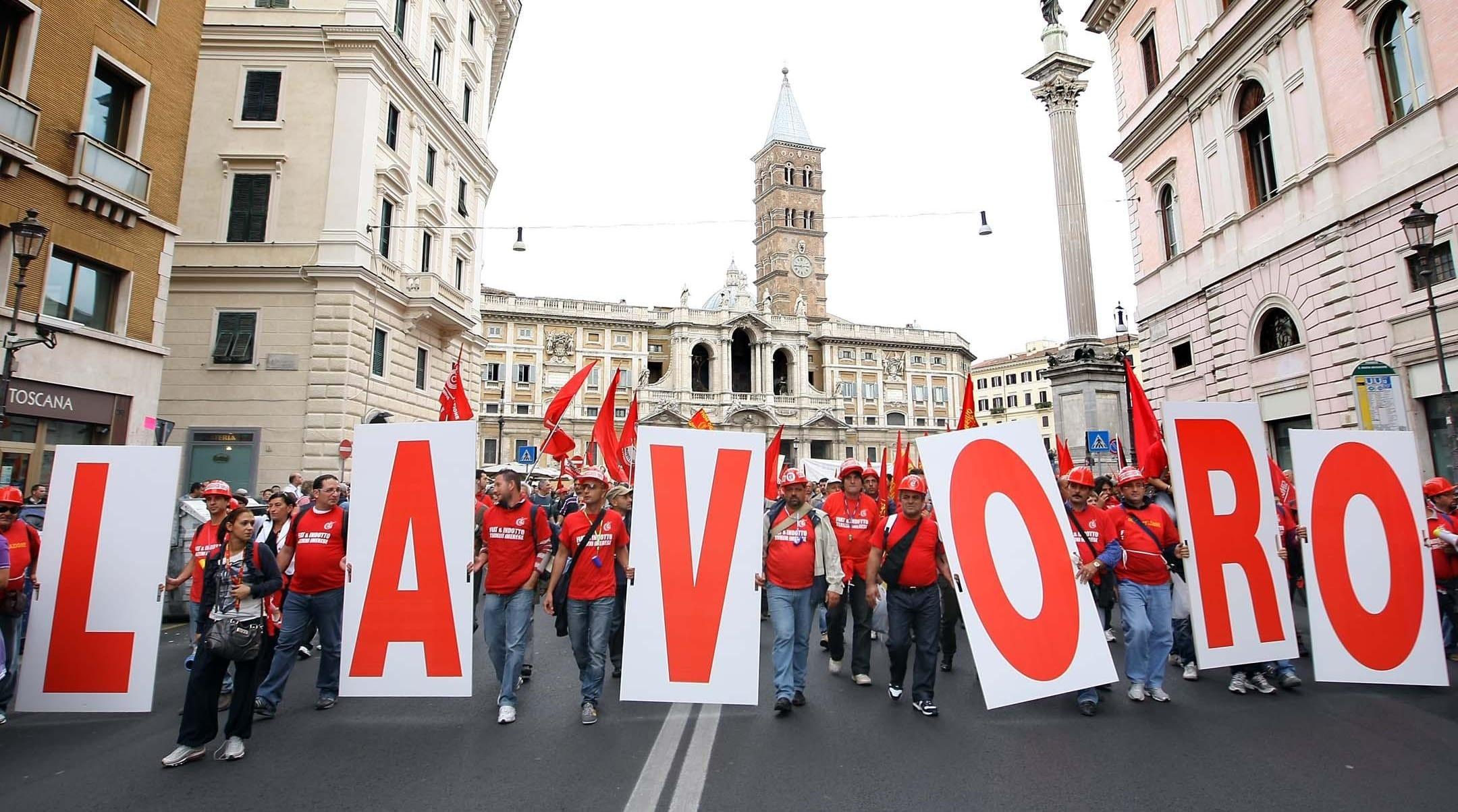 Sprechi d'Italia: quanto ci costa l'assistenzialismo. Ecco la vera storia degli Lsu, mentre abbiamo bisogno di lavoro vero