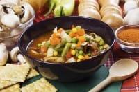 Minestrone: la ricetta riciclona per non sprecare le verdure avanzate