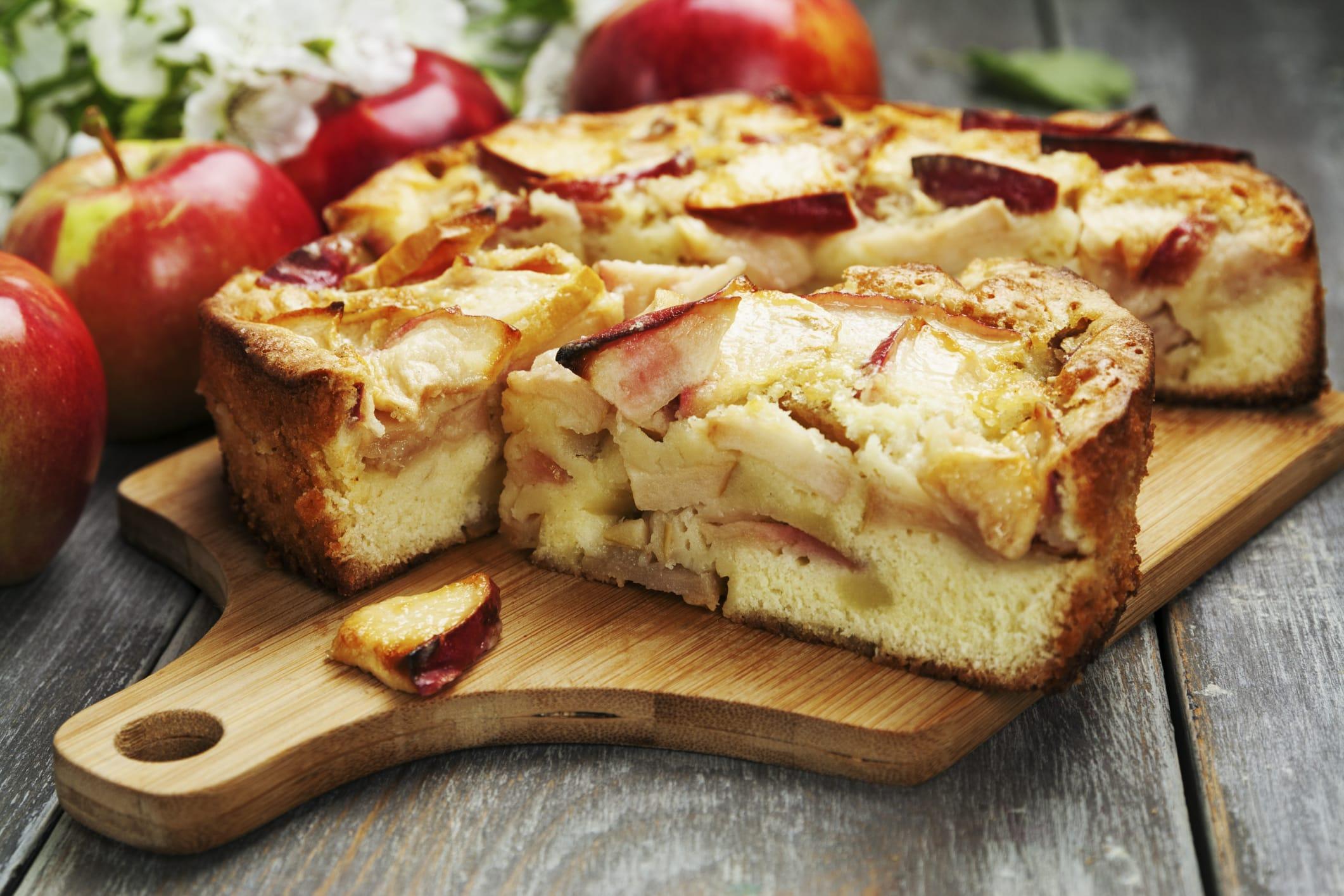 Torta con lo yogurt e le mele