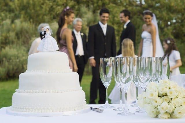 Un matrimonio solidale e generoso, come si organizza e chi aiutare (foto)