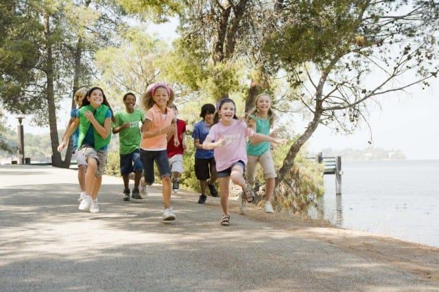 """Il progetto """"Piedibus"""": il modo più divertente ed ecologico di andare a scuola"""