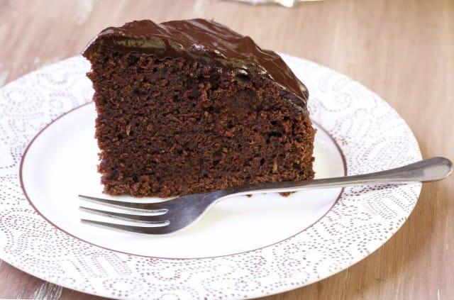 La torta con zucchine e cioccolato: la ricetta vegana ricca di gusto e cruelty free