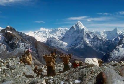 monte Everest emergenza rifiuti
