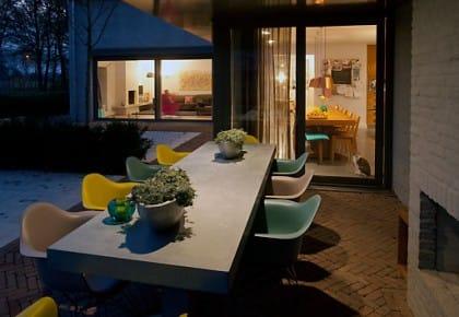A Tilburg, in Olanda, la casa arredata in legno da Piet Hein Eek