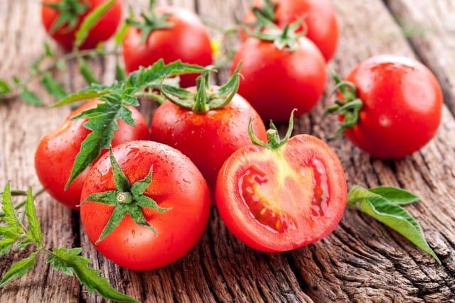 come-coltivare-i-pomodori-in-vaso (1)