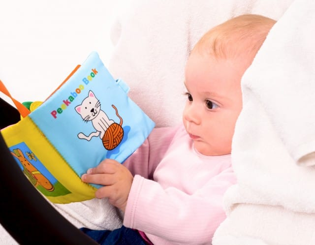 Come costruire un libro sensoriale per bambini foto for Foto di un libro